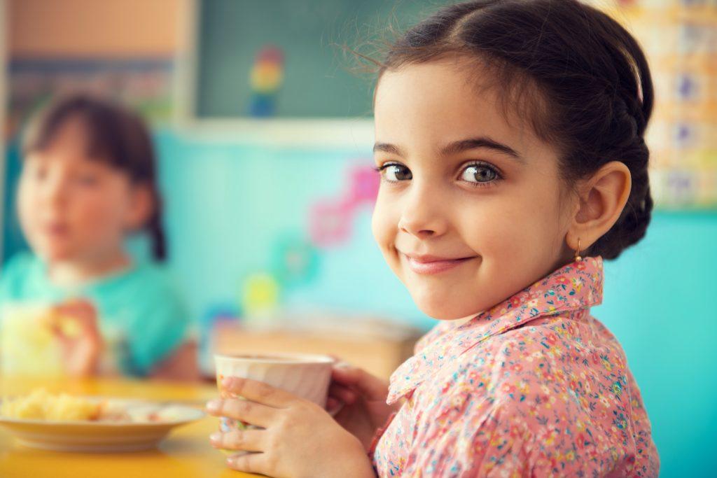 Trinkmilch, kostenlos, Schulmilchprogramm, Schule, Kita, Ernährung