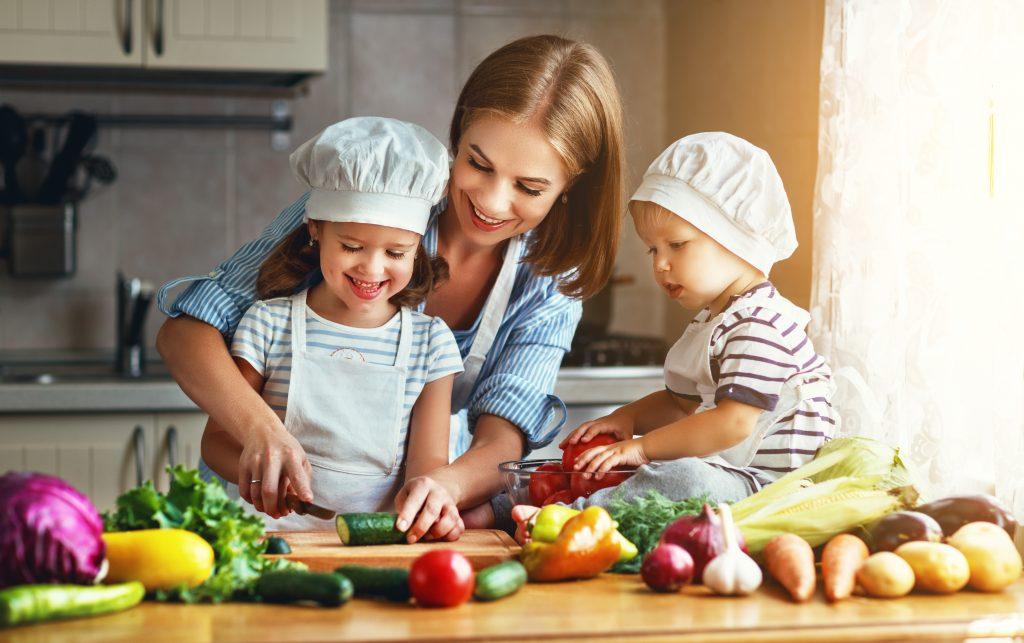Weltgesundheitstag, gesunde Rezepte, Familie, Kochen