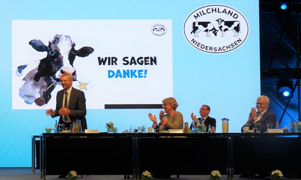 Jan Heusmann, Barbara Otte-Kinast, Frank Feuerriegel und Albert Schulte to Brinke auf der LVN-Mitgliederversammlung