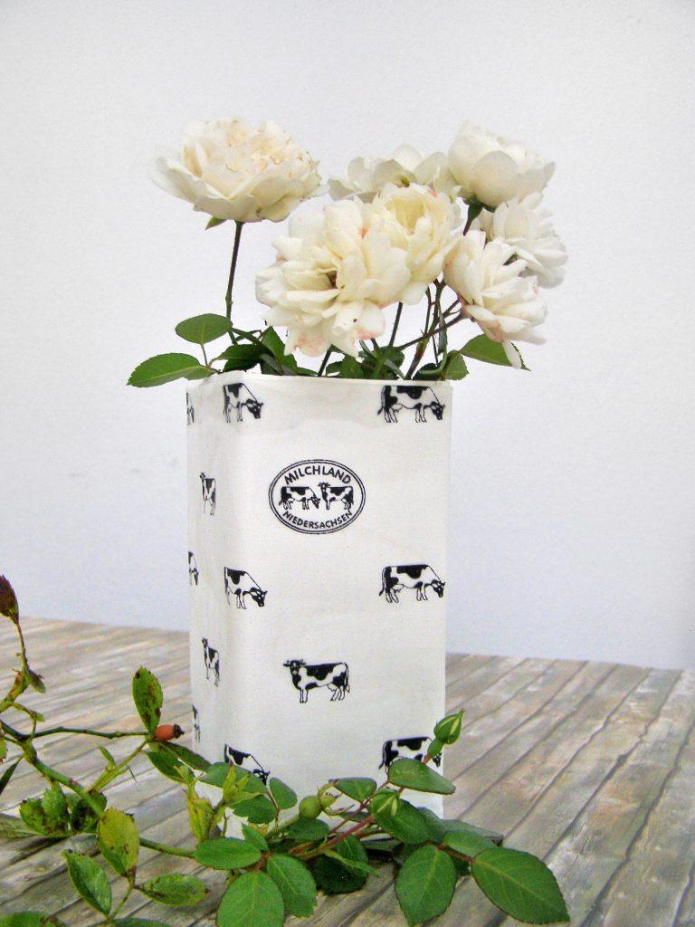 Milchkarton als Vase