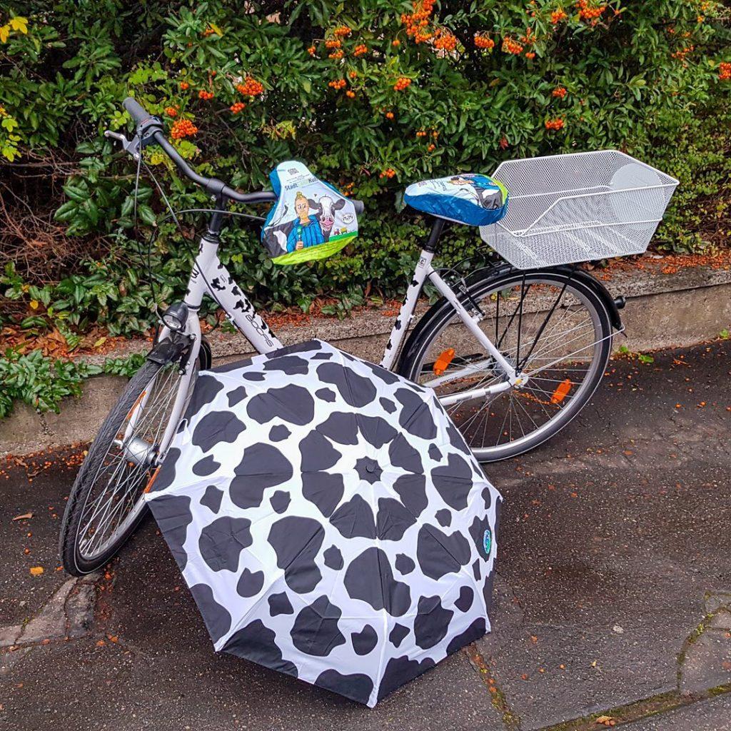 Fahrrad-Sattelschutz mit StadtLandKuh-Aufdruck