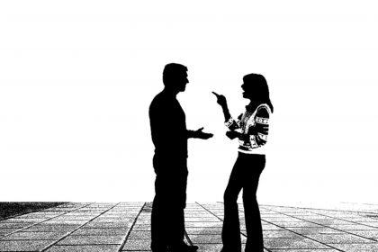 Konversation zwischen Mann und Frau