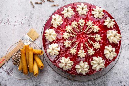 Serviervorschlag Mascarpone-Kirsch-Torte