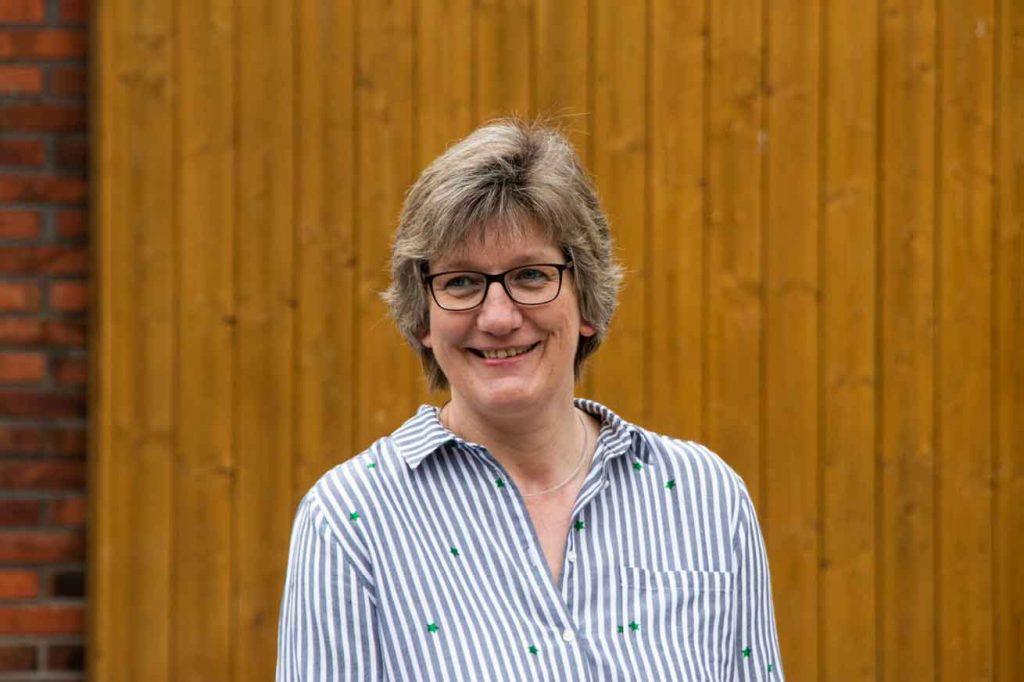 Milchlandpreis 2020: Hofschildübergabe bei Familie Hasselhorn