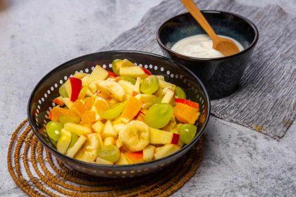 Serviervorschlag Obstsalat mit Naturjoghurt